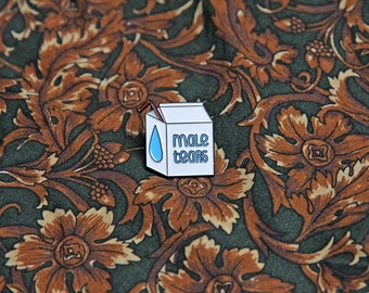 Pin male tears, soft enamel / Pins male tears en émail