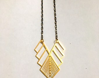 Gold Arrow Necklace, Triangle Geometric Minimalist necklace, Dainty necklace, Statement necklace, Lariat & Y Necklaces, Modern, Contemporary