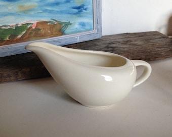 Vintage White Gravy Boat, Vintage Gravy Boat, White Porcelain Creamer, Russell Wright Style Gravy Boat