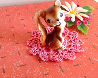 Vintage squirrel figurine, super cute vintage Japan squirrel figurine