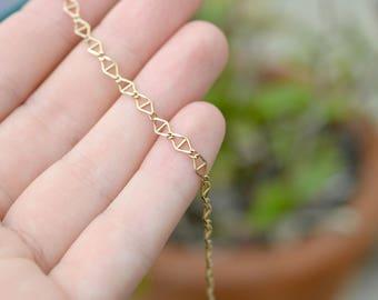 Delicate 9K Solid Yellow Gold Triangle Link Bracelet, Minimalist Gold Bracelet, Think Gold Link Bracelet, Geometric Gold Link