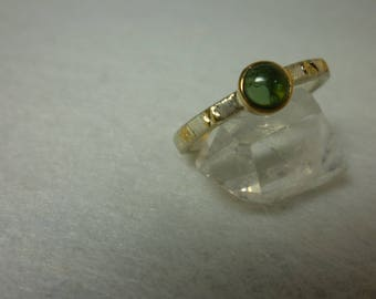 "Green tourmaline ring in 925 textured silver and 18 k gold ""Series Moon"". Engagement or wedding ring"