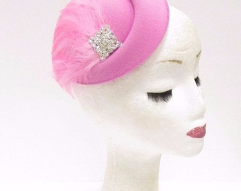 Light Baby Pink Silver Feather Pillbox Hat Hair Fascinator Clip Headpiece 2344