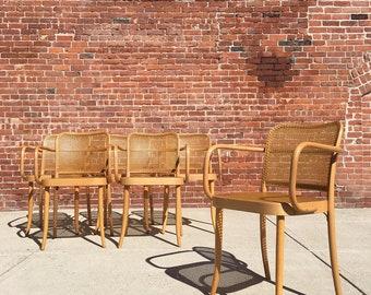 Thonet | Prague Bentwood Chairs 811 | Mid Century stendig