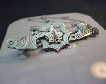 """A superb vintage silver sweetheart brooch - 925 - sterling silver - safety chain - Full UK Hallmark - 1.8"""" x 0.6"""""""