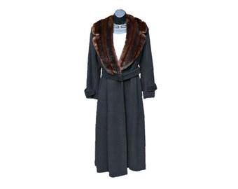 Lauren Ralph Lauren - Black Wool Coat w/ Brown Faux Mink Fur Collar - Vintage Maxi / Floor / Formal Length - Belted - Fully Lined Formalwear