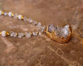 Elegant Gold and Quartz Necklace