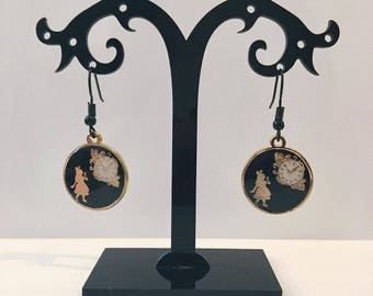 Black and pale gold enamel Alice in Wonderland and clock earrings (Through the looking glass)