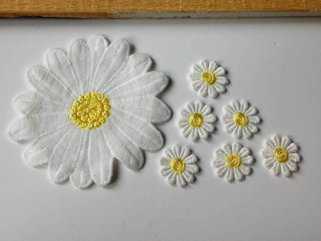 Flower patches daisy patch embroider sew on