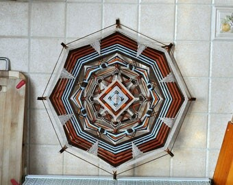 Nordic tracery Figurative Yarn Mandala Ojos de Dios 38 cm