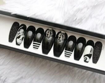 Pesadilla antes de Navidad prensa en uñas | Película de culto | Jack Skellington | Goth | La bruja | Arte de uñas pintadas a mano | Pegamento en las uñas | Cualquier forma