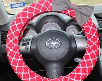 Red padded Steering Wheel cover with Bow pin - cute car decor, affordable, accessories, comfortable, customizable, gift for her girl gift,