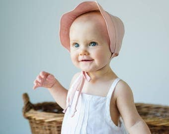 Baby Bonnet in Pink Linen//  Scallop Edge Sun Bonnet// Handmade Linen Beach Bonnet// Girl's Summer Bonnet