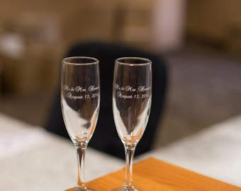 Etched champagne flutes, Bride and Groom names and wedding date, toasting flutes for wedding. Couples gift. Engagement gift.