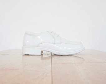 90s White Vegan Leather Lace Up Shoes / Women's Size 9 US - 7 UK - 38/39 Eur