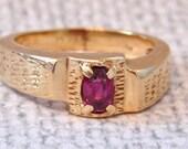 Sale! Vintage 14K Garnet Ring in Yellow Gold, Mens, 8.9 Grams
