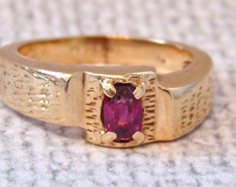 Vintage 14K Garnet Ring in Yellow Gold, Mens, 8.9 Grams