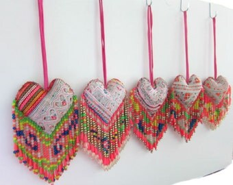 Heart Beaded Bag Charm,10pcs Embroidered Hmong Heart Decor, BOHO Beach Bag Charm Hmong Textile Beaded  Decor Handmade Curtain Tie Backs