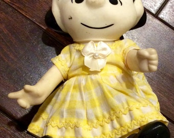 "1966 United Features Syndicate 7"" Lucy Peanuts Gang Poseable Pocket Doll, Vintage Peanuts Pocket Dolls,Charlie Brown Pocket Dolls,Vinyl Doll"
