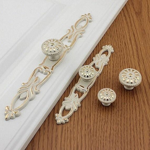 white gold dresser knobs handles drawer pulls handles knobs cabinet pulls handles knobs door. Black Bedroom Furniture Sets. Home Design Ideas