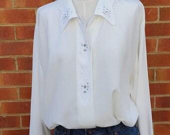 80's White Blouse, Vintage Blouse, Ladies White Shirt, Business Shirt, Ladies Button Down
