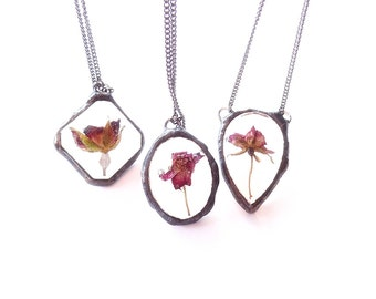 Three real rose resin necklaces set. Three pink/purple/red roses. Gift set of three necklaces. Handmade unique necklaces.