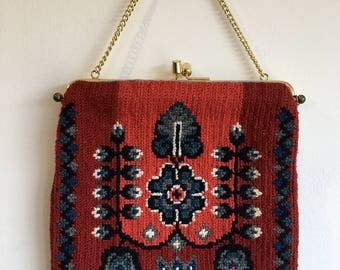 Vintage Needlepoint Purse.Kissing lock.handmade