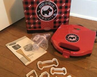 Doggie Biscuit Maker / Healthy Dog / Pets