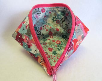 Sweet Pea Pod - Zipper Pouch - Coin Purse - Mini Storage Pouch - Wonder Clip Bag - Cosmetic Bag - Gift Bag - Fabric Pouch - Sewing Pouch