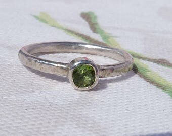 Peridot Ring, Sterling Silver Stacking Ring, Apple Green Ring, Peridot Solitaire Ring, August Birthstone, Anniversary Ring, Size O.