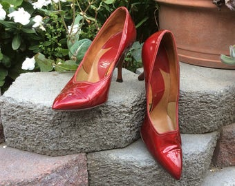 1960s Size 8 1/2  Deep Ruby Red Patent Leather Pointy Toe Stilleto Heels