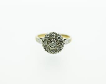An Impressive 18ct Diamond Cluster Ring   SKU579