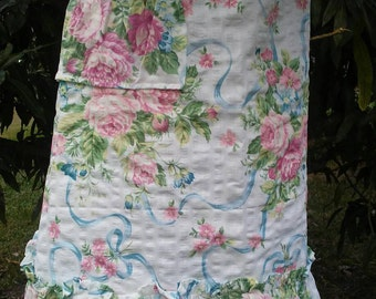 Shabby chic apron/Cabbage Roses/Cottage Chic/Ruffles