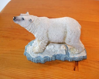 Regency Polar Bear figurine
