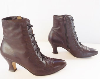 Poppies Brown women pointy toe witchy witch victorian   lace up boots size 7
