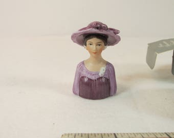 Avon American Fashion Thimble - 1947  Christian Dior's New Look with Box & Pouch 1984