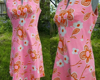 Pink Hawaiian Mod Tropical Floral Print 1960s Rare Kay O' Kauai Sleevess Shift Dress