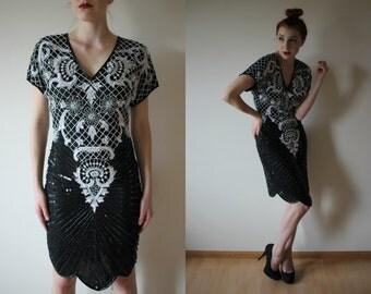 vintage 1980s black and white sequin mini dress / beaded keyhole back scalloped hemline / v neck sheath dress / nye holiday party dress