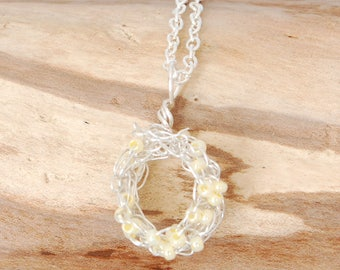Silver necklace pendant, wire pendant, circle pendant, yellow necklace, gift for her, bridesmaid gift, wire jewellery