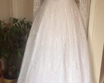 Beautiful 80's vintage wedding dress