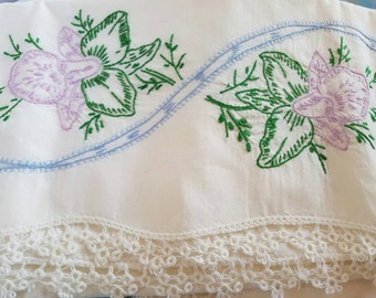 Vintage Pillowcases -  MORNING GLORYS - Romantic Bedroom - Handmade Lace - Antique Bedding - Floral Pillowcases