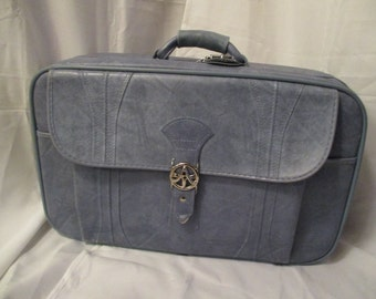 Vintage American Tourister Baby blue Suitcase and Carry on bag set