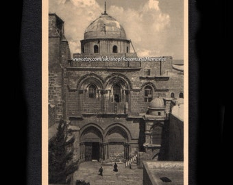 Vintage Postcard of Jerusalem, Entrance to Church of Holy Sepulchure, No 614, Oriental Commerical Bureau Port-Said, black and white card  05