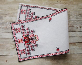 Linen Table Runner, Hand embroidered table runner, Small linen table cloth, Traditional Bulgarian embroidery, Ethnic Home Décor, Wall décor