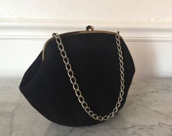 Vintage black purse. Black felt purse. 1950's purse. 1960's purse. Chain handle purse. Black bag. Vintage black handbag.
