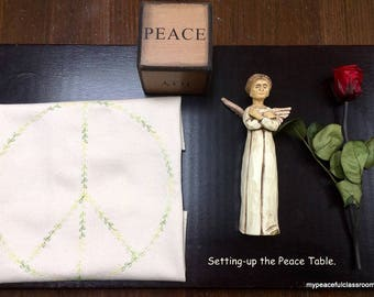 Peace Table Cloth in Organic Cotton