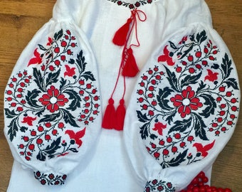 ukrainian embroidered blouse vyshyvanka bohemian ethnic shirt boho chic peasant top