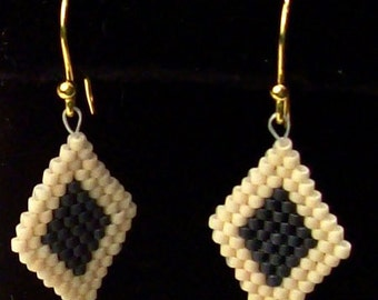 Diamond Earrings brickstitch