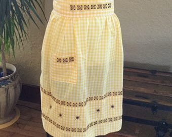 Vintage Yellow Gingham Apron - Yellow and White Gingham Apron - Embroidered Apron - Half Apron