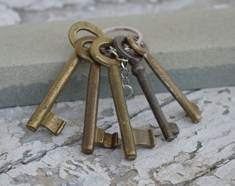 Skeleton keys - Brass keys - Set of 5 keys - Rustic keys - Antique skeleton keys - Rustic decor - Old skeleton keys - Vintage skeleton keys